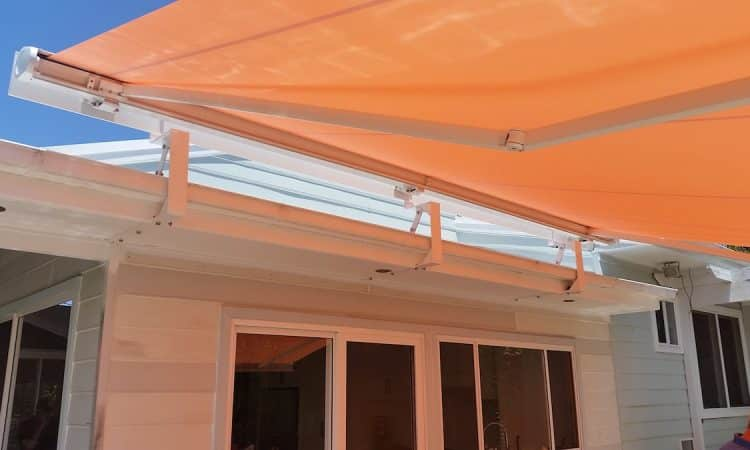 White Retractable Markilux Awning