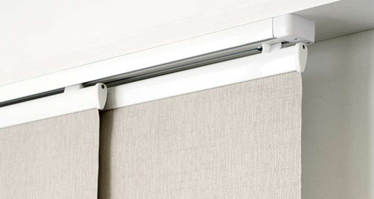 White Panel Guide Blinds For Sliding And Wide Windows